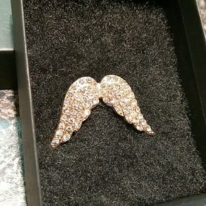 Victoria's Secret Jewelry - Gold plated Victoria's Secret Angel wing brooch.